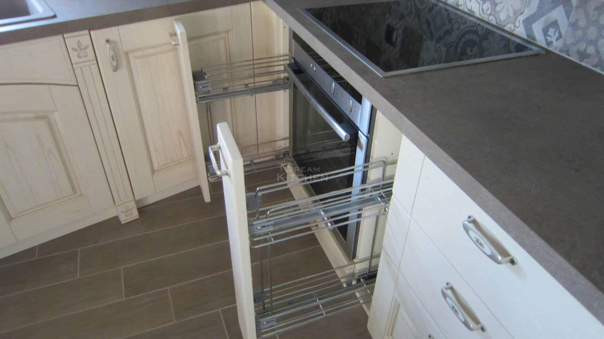 Πλήρης επίπλωση κατοικίας κουζινα μασιφ 24