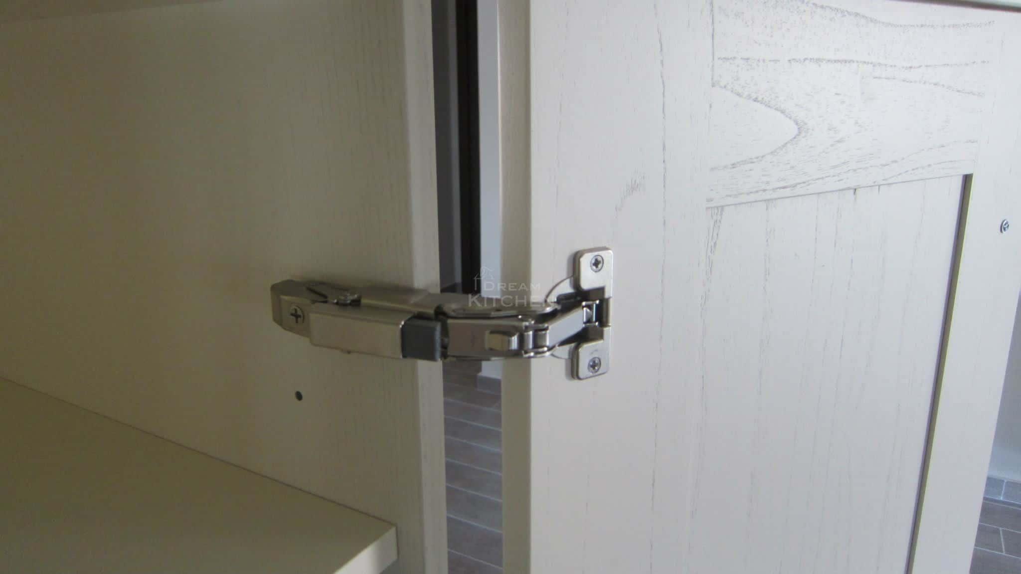 Πλήρης επίπλωση κατοικίας κουζινα μασιφ 31