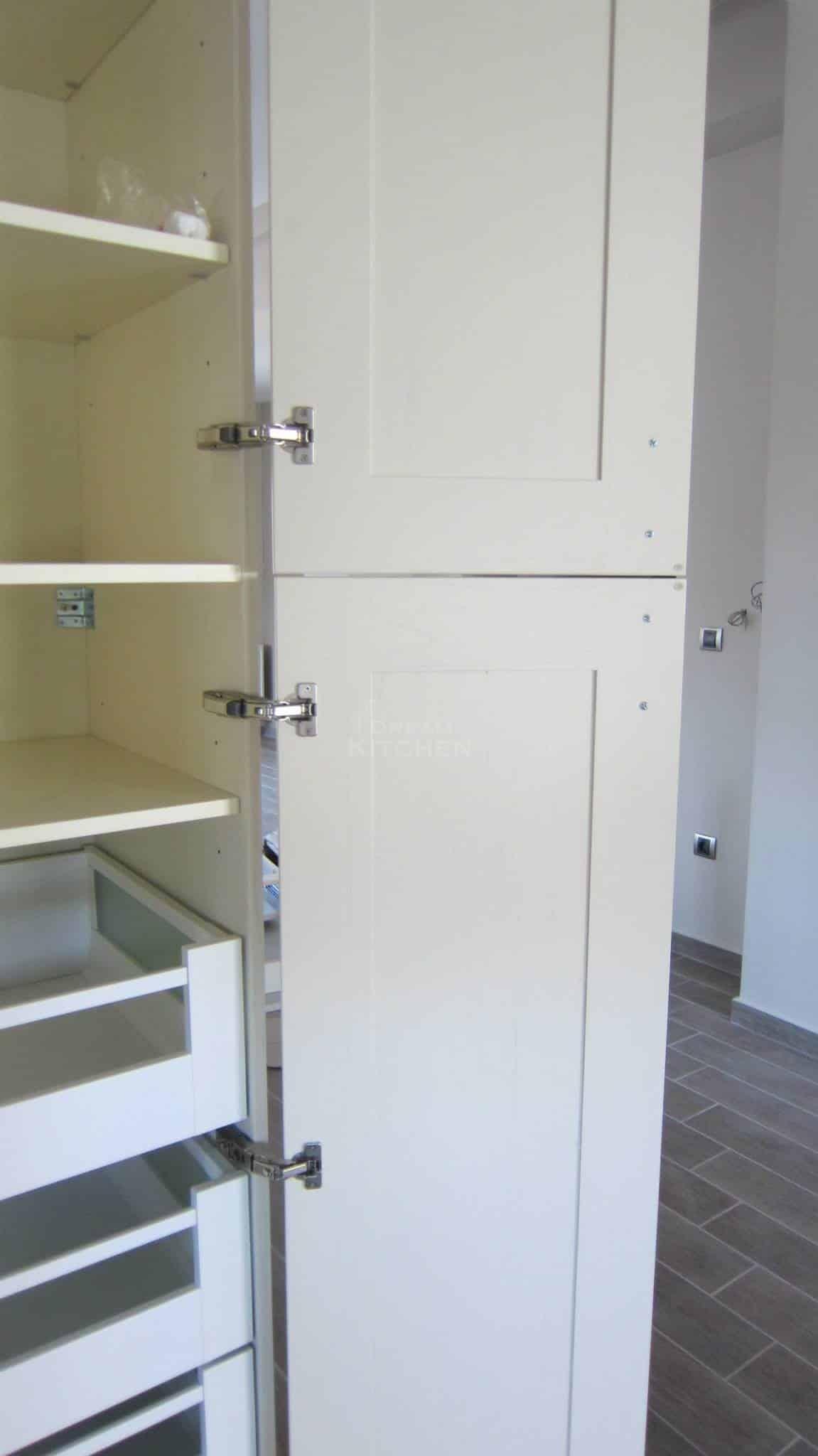 Πλήρης επίπλωση κατοικίας κουζινα μασιφ 32