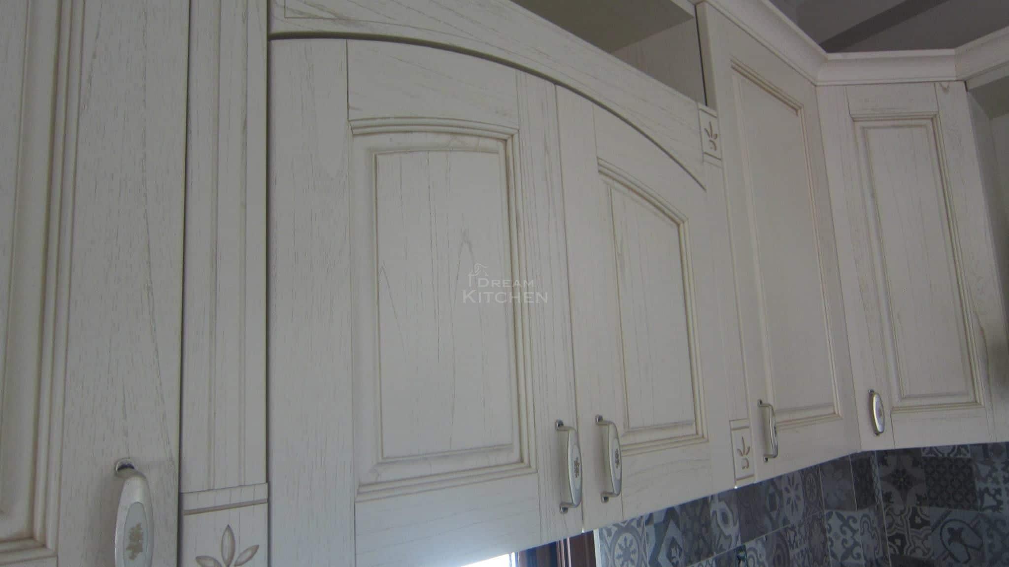 Πλήρης επίπλωση κατοικίας κουζινα μασιφ 38