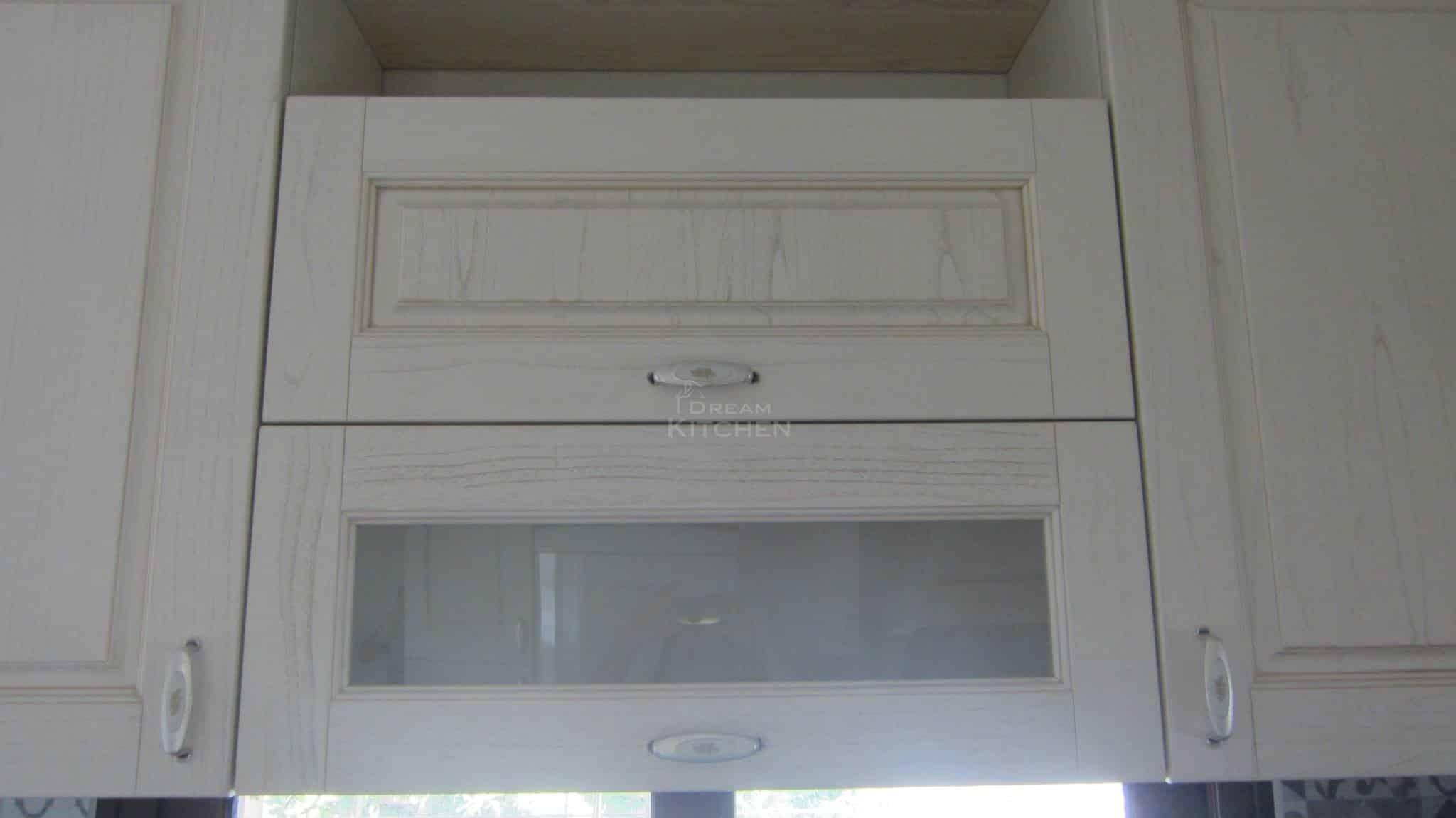 Πλήρης επίπλωση κατοικίας κουζινα μασιφ 42
