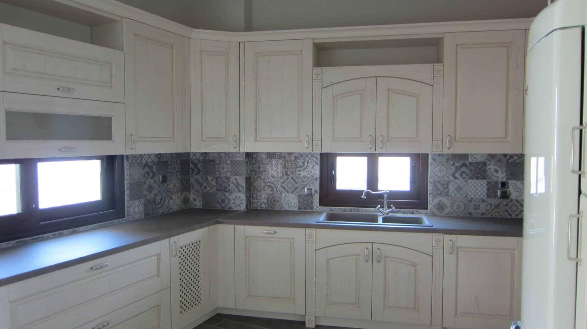 Πλήρης επίπλωση κατοικίας κουζινα μασιφ 51
