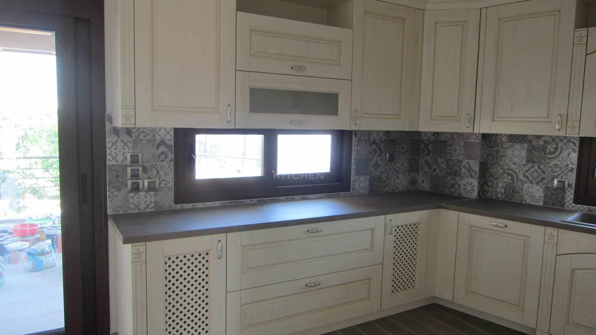 Πλήρης επίπλωση κατοικίας κουζινα μασιφ 52
