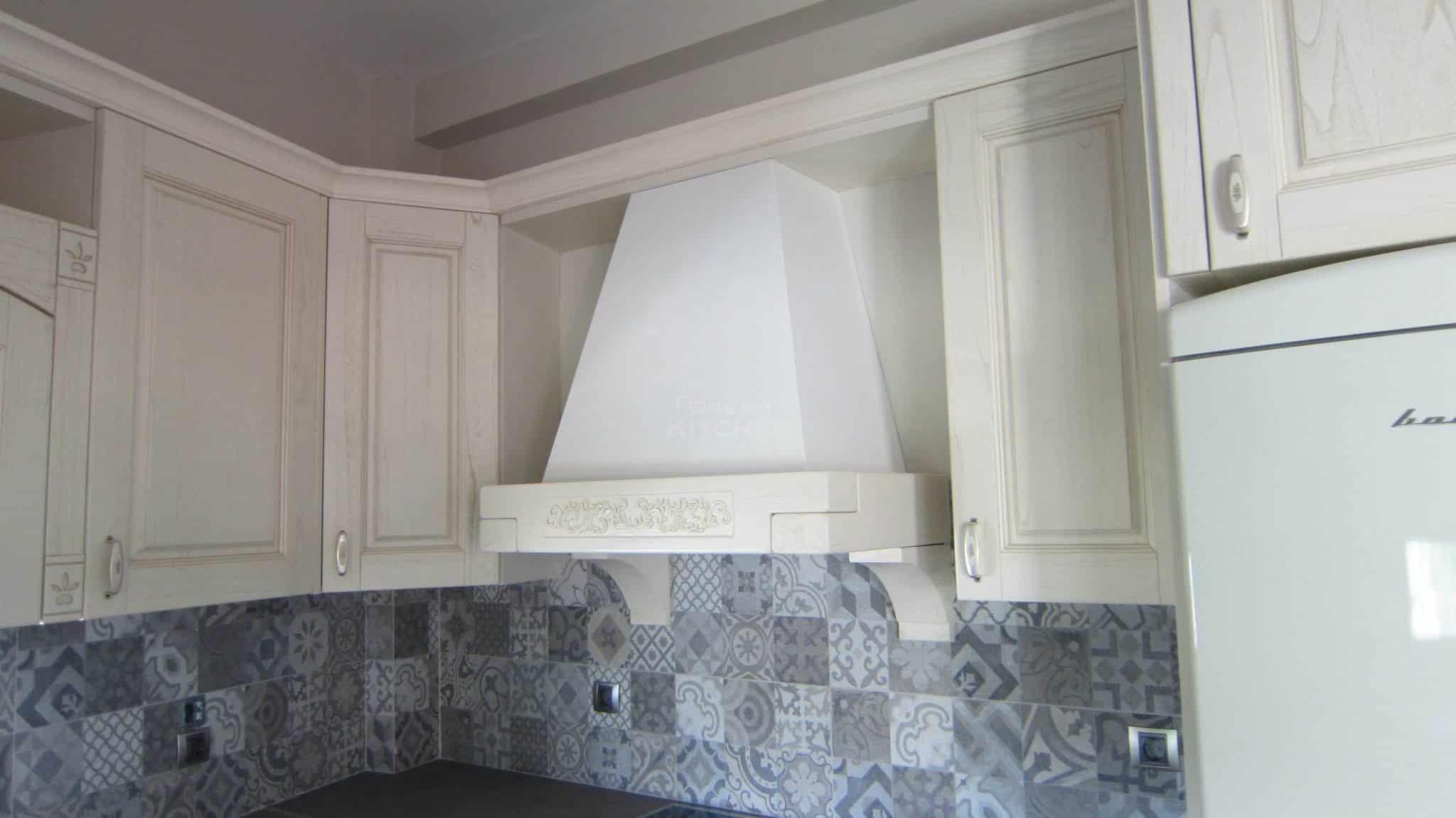 Πλήρης επίπλωση κατοικίας κουζινα μασιφ 54