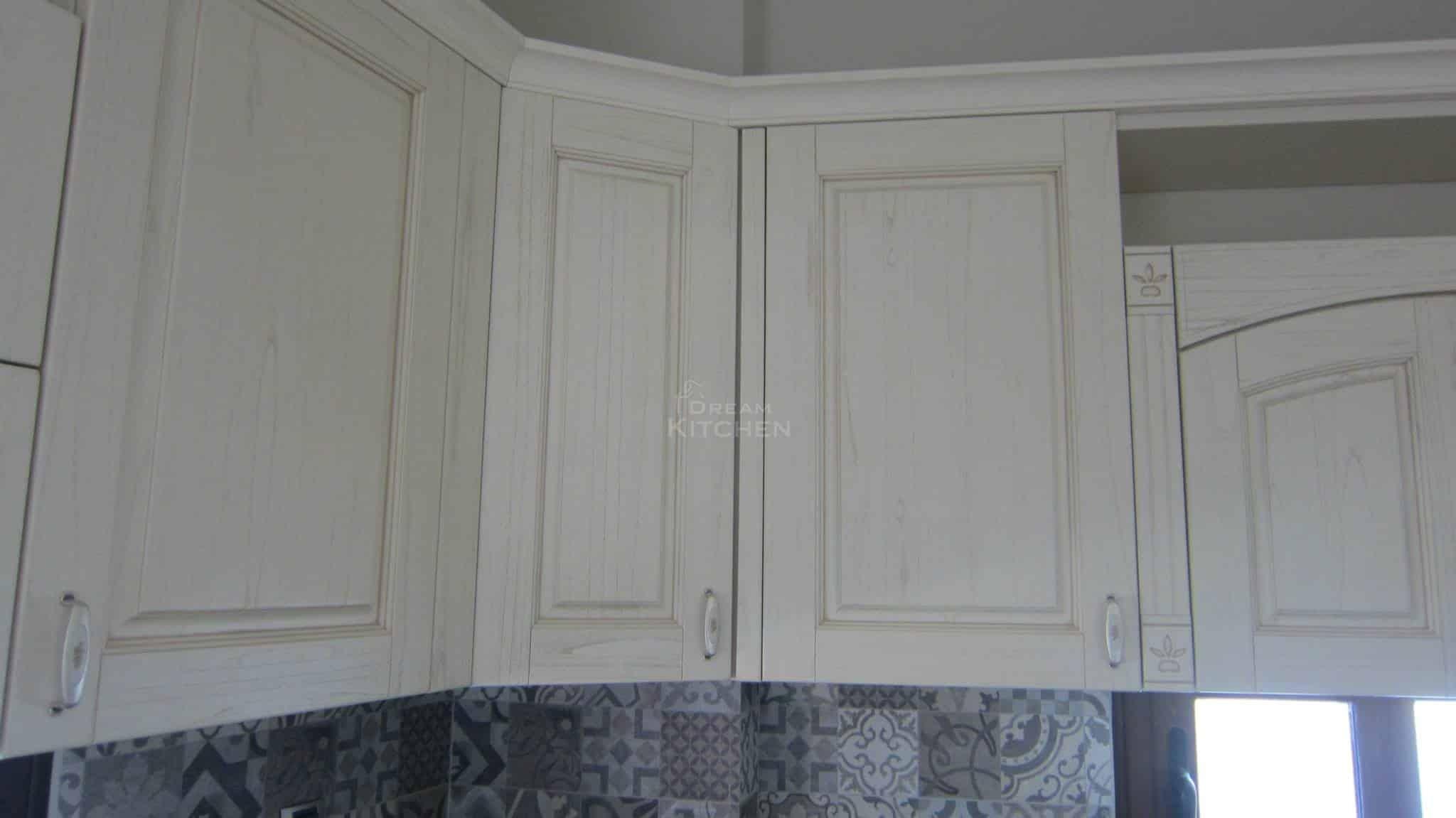 Πλήρης επίπλωση κατοικίας κουζινα μασιφ 55