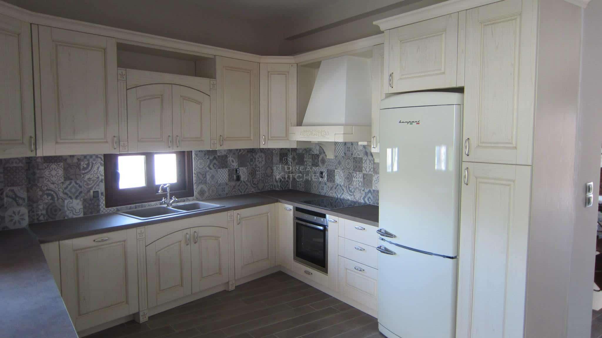 Πλήρης επίπλωση κατοικίας κουζινα μασιφ 59