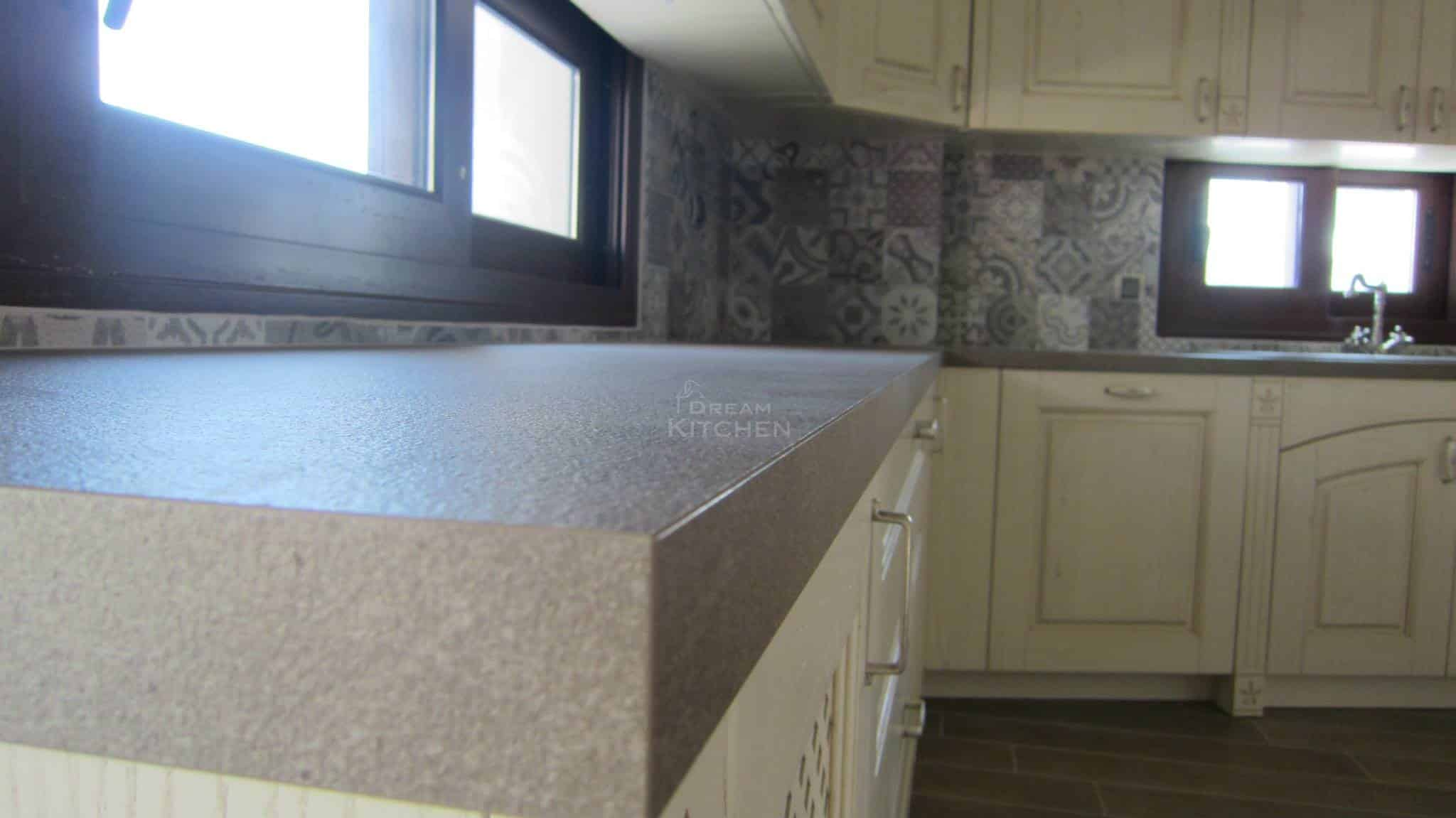 Πλήρης επίπλωση κατοικίας κουζινα μασιφ 60