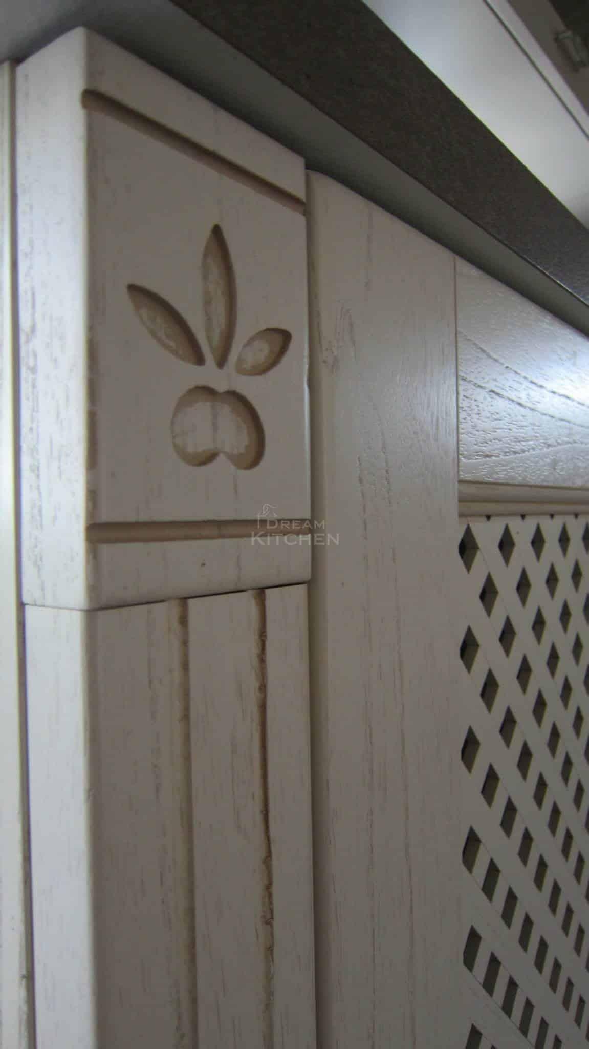 Πλήρης επίπλωση κατοικίας κουζινα μασιφ 61