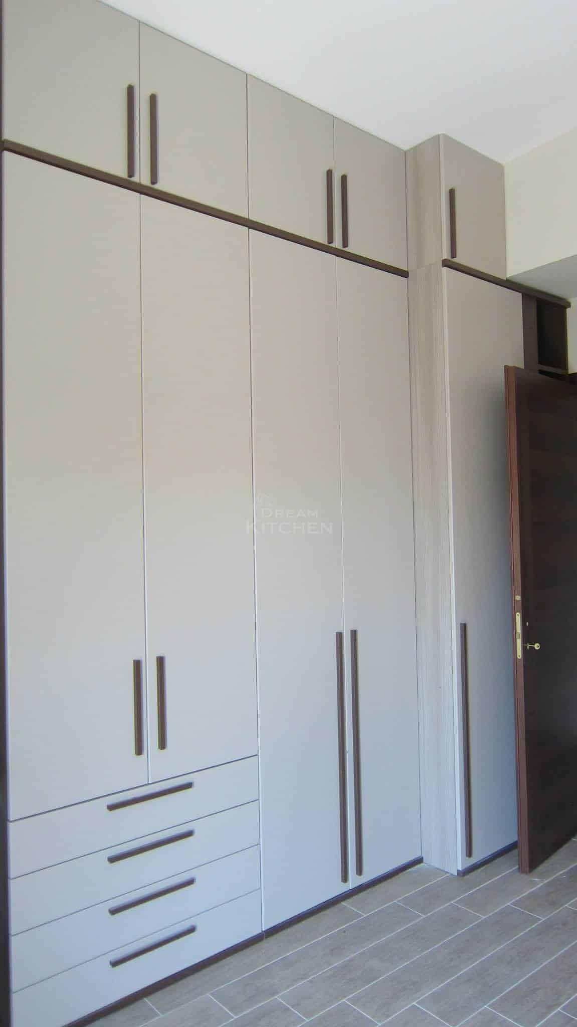 Πλήρης επίπλωση κατοικίας ντουλαπα βακελιτη 2