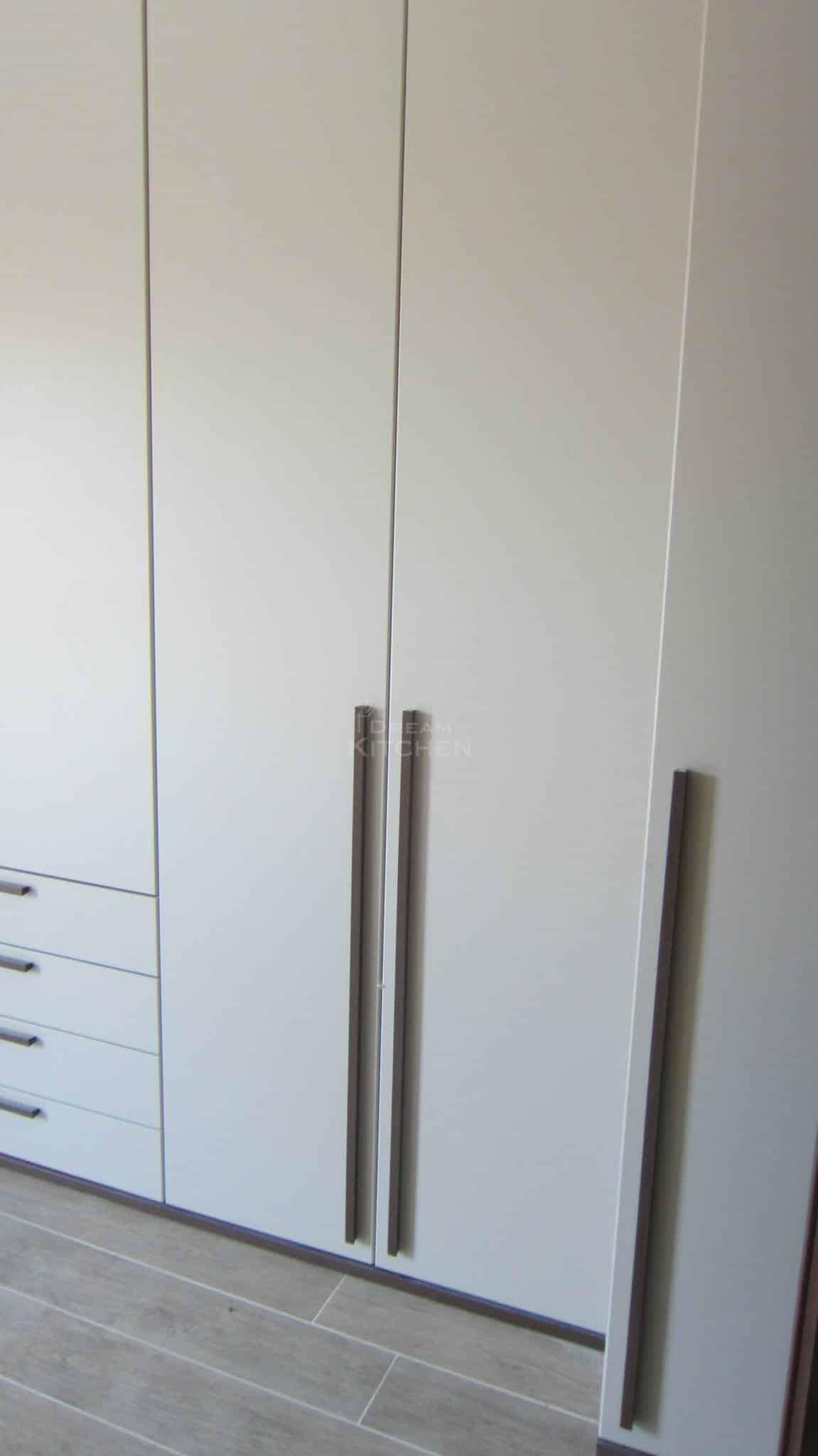 Πλήρης επίπλωση κατοικίας ντουλαπα βακελιτη 6