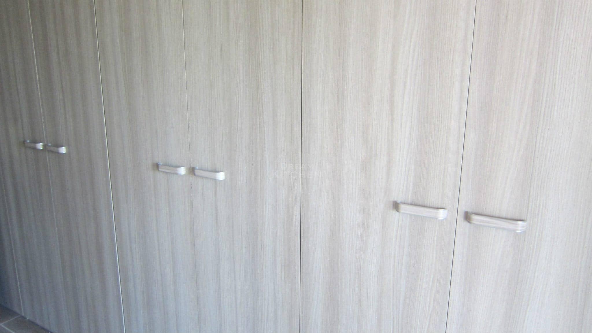 Πλήρης επίπλωση κατοικίας ντουλαπα βακελιτη 24