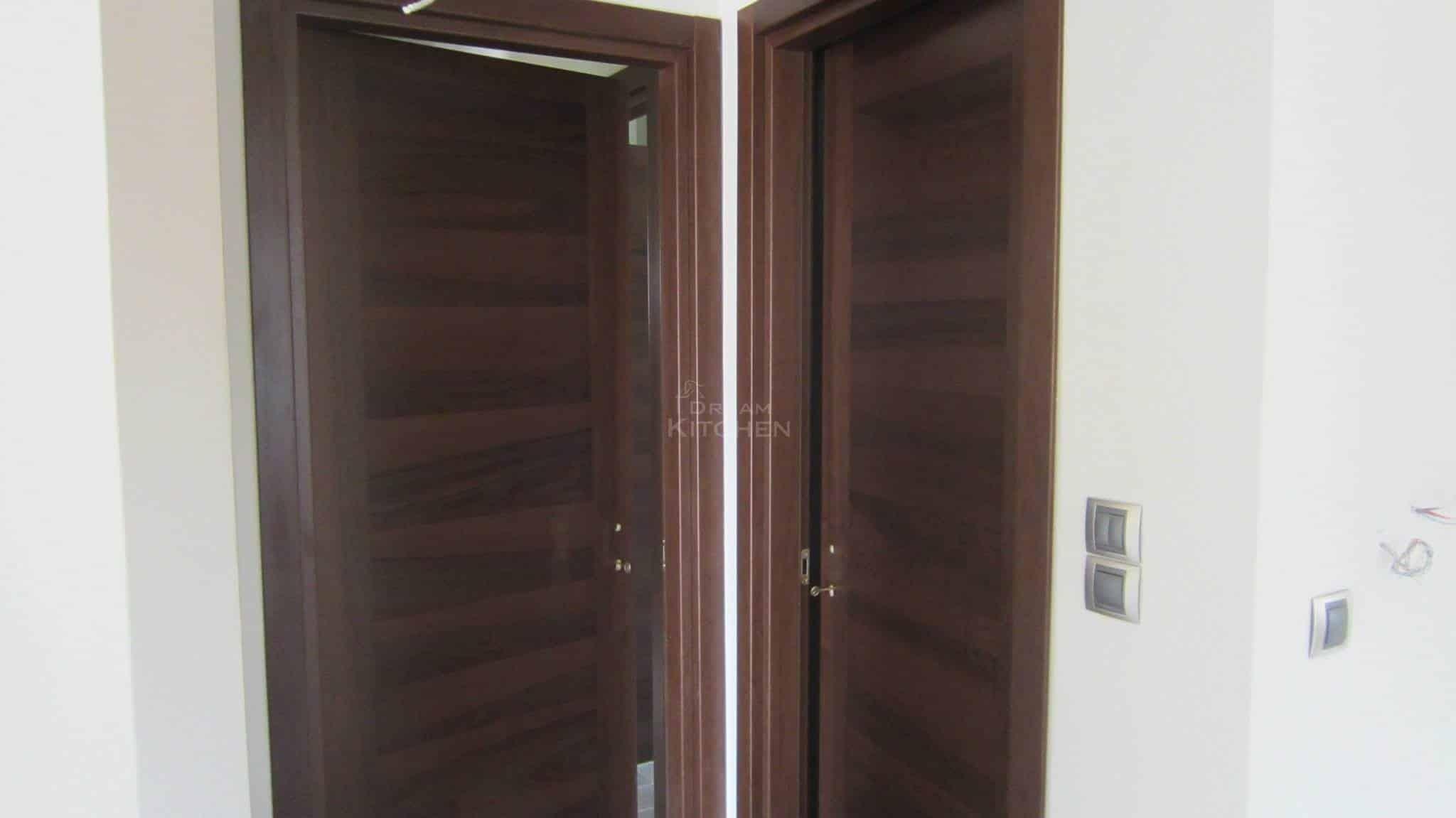 Πλήρης επίπλωση κατοικίας πορτα καπλαμα 4