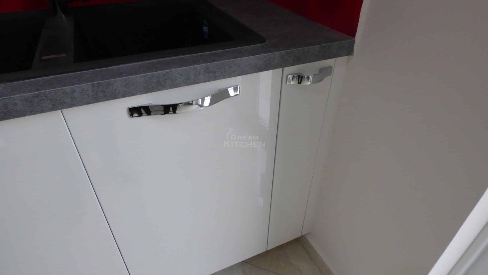 Επιπλα Κουζινας Λευκη Λακα 22mm 8