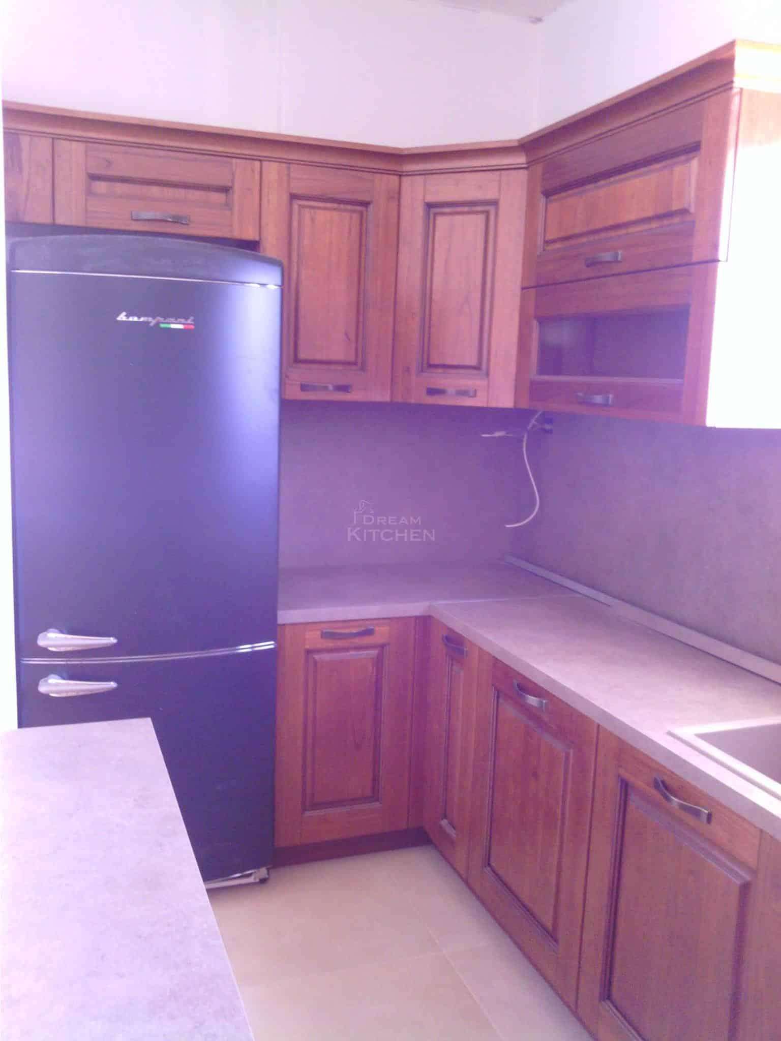 Επιπλα Κουζινας Μασιφ Ξυλο σε χρωματισμο Καστανια 3