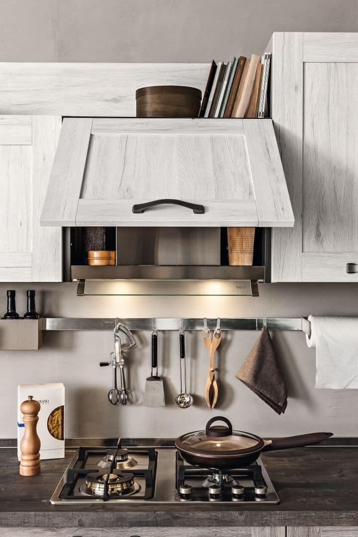 Κουζίνα με τελαρο σε χρωματισμό Λευκό και χρωματισμο γκρι