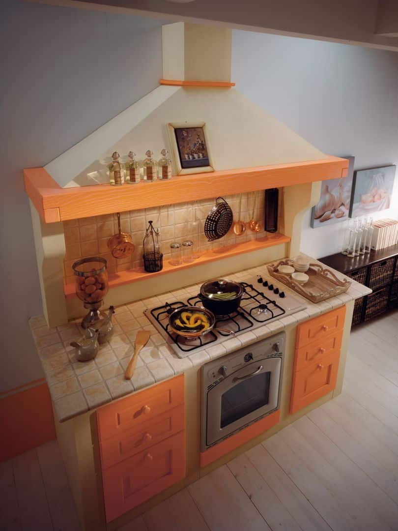 Isotta μασίφ κουζίνα πορτοκαλί ντεκαπέ