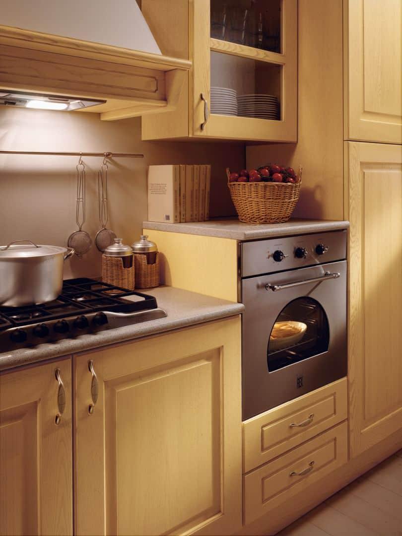 Isotta μασίφ κουζίνα κίτρινο ντεκαπέ
