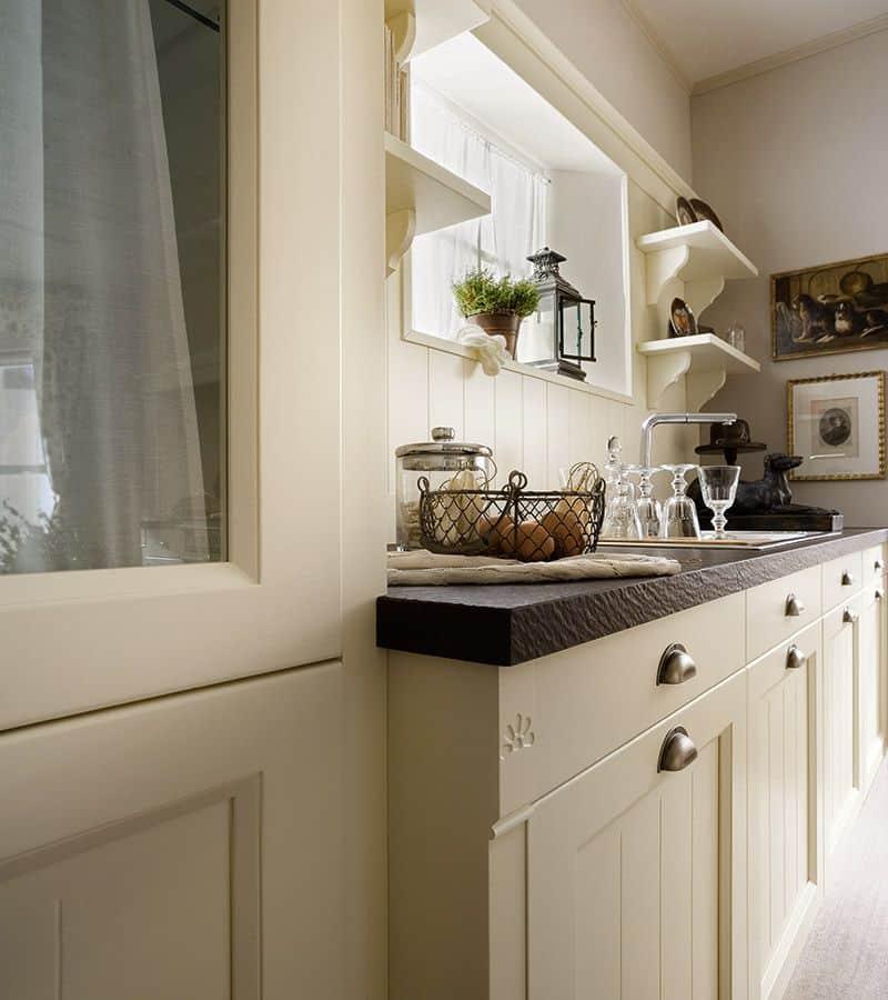 Κουζίνα english style λάκα μπεζ μασίφ βαφή νερού