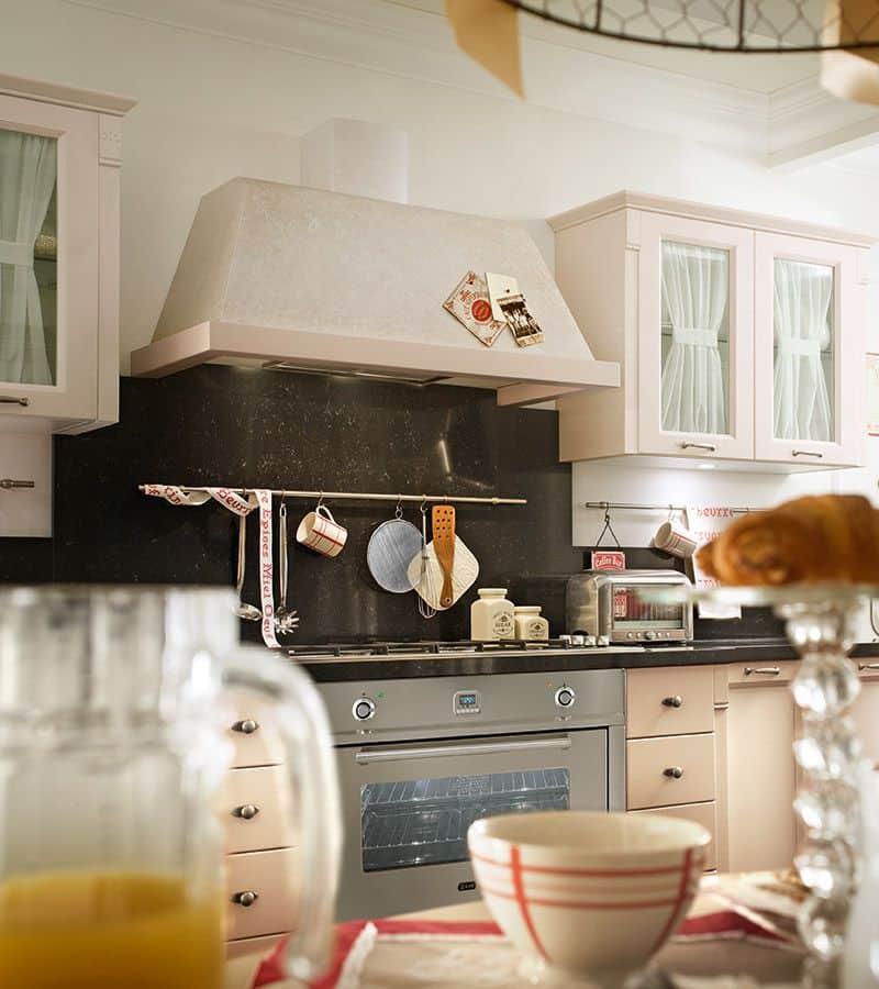 κουζίνα λάκα μπεζ μασίφ βαφή νερού