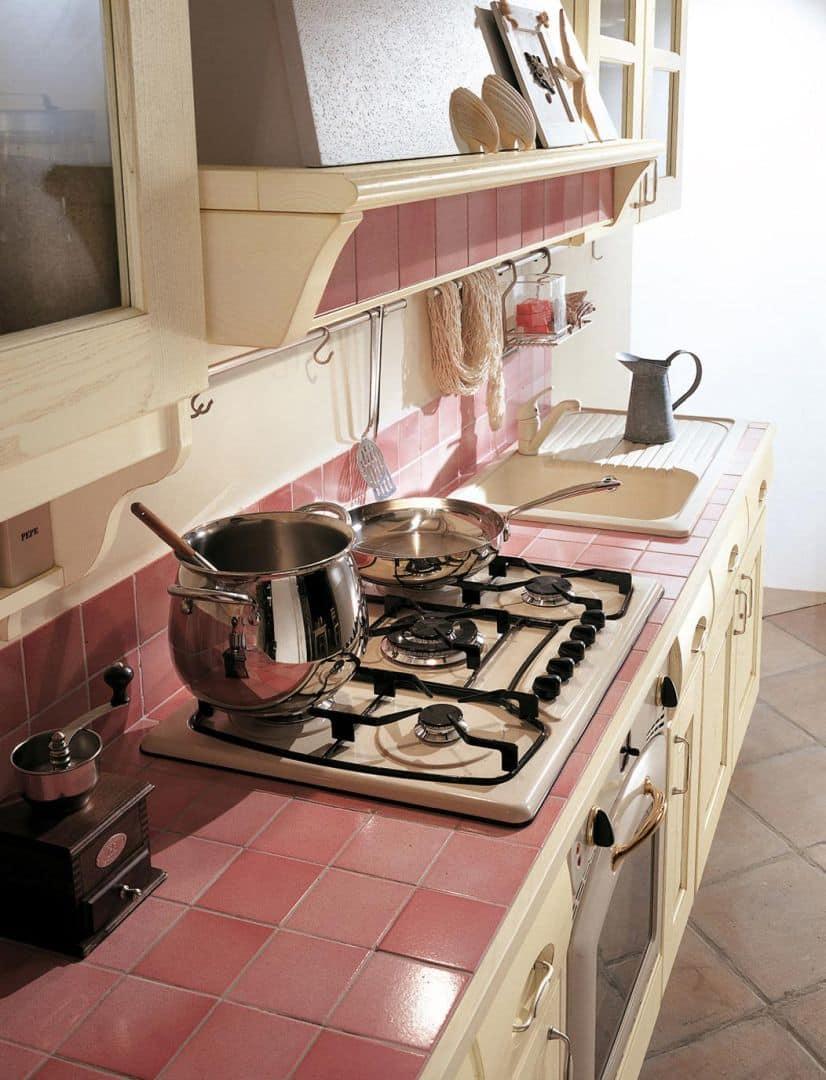 Κουζίνα με πάγκο πλακάκια Valentina Μασίφ κουζίνα μπεζ