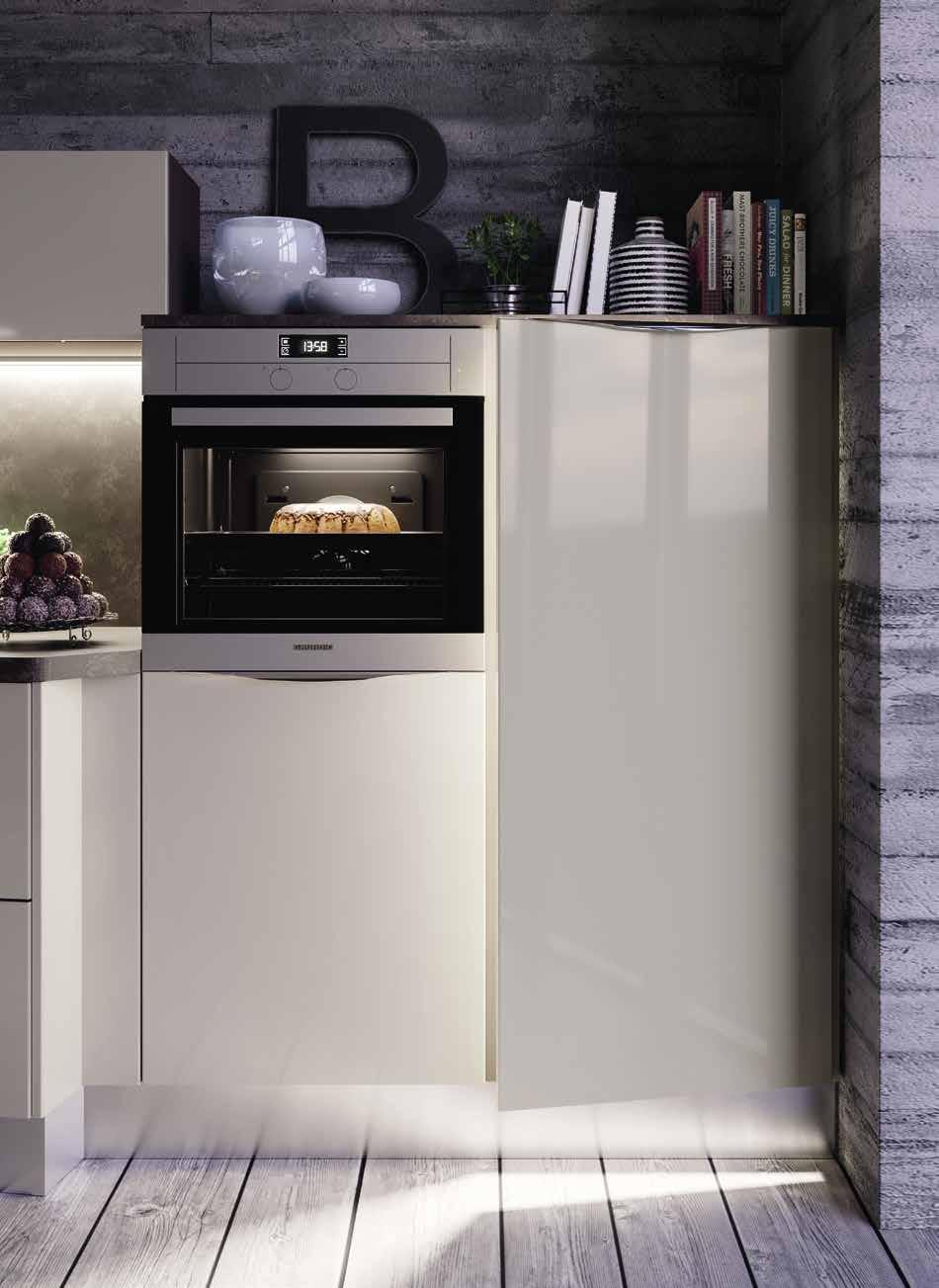 Κουζινα σε γκρι γυαλιστερο dorian με διαγωνια τοποθετηση πολυμορφικου σχεδιασμου για εξτρα παγκο