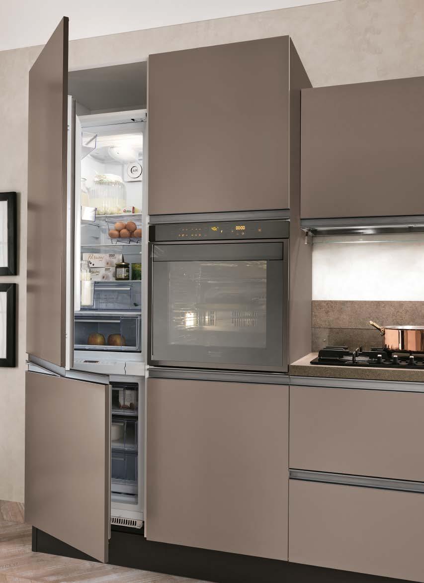 Linea κουζινα με ενσωματωμενη μεταλική λαβή σε γκρι-καφε ματ λάκα λεπτομερειες
