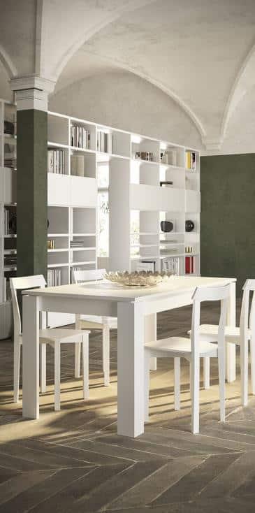 Lungomare κουζινα χωρις πομολο με υφη φυσικου ξυλου και λευκη ματ λακα λεπτομερειες