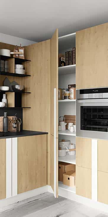 Κουζινα μελαμινη σε δρυς χρωματισμο Royal Oak και λευκό ματ με πόμολο μεγαλο καθετο σε ματ λευκο