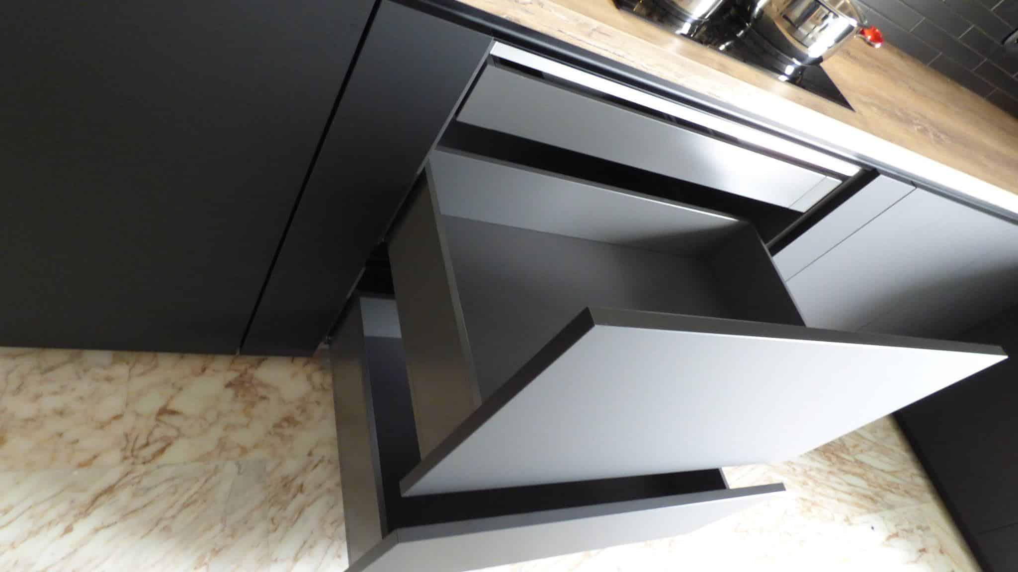 Επιπλα Κουζινας Fenix NTM® nero ingo 16